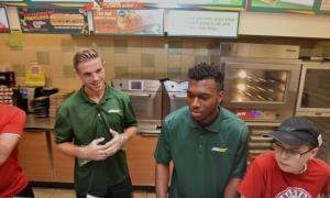 Henderson dan Sturridge kunjungi Subway