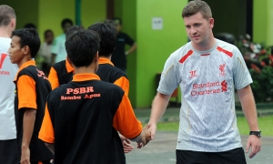 LFC Foundation make orphanage visit