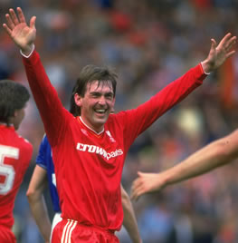 Kenny leads Reds to double