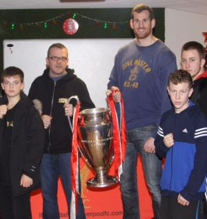 Boxer Price meets aspiring youngsters